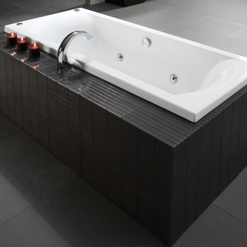 Liquid 1800 Spa Bath - RRP $3010